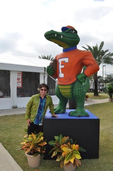 j-o-w-florida-gator